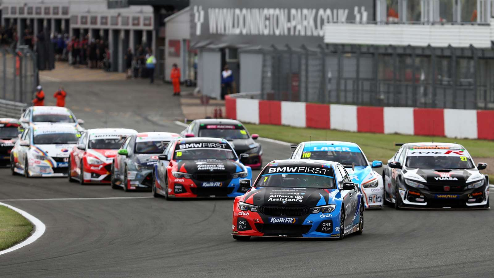 BTCC 2020 Donington Park Colin Turkington (BMW) leads Ash Sutton (Infiniti) and Dan Cammish (Honda)