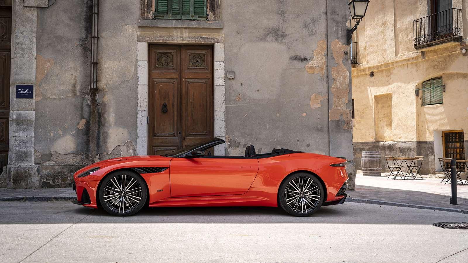 Review Aston Martin Dbs Superleggera Volante