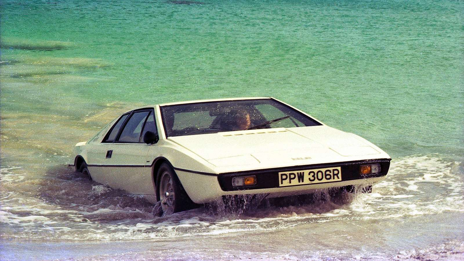 best iconic movie cars of all time James Bond Lotus Esprit The Spy Who Loved Me submarine